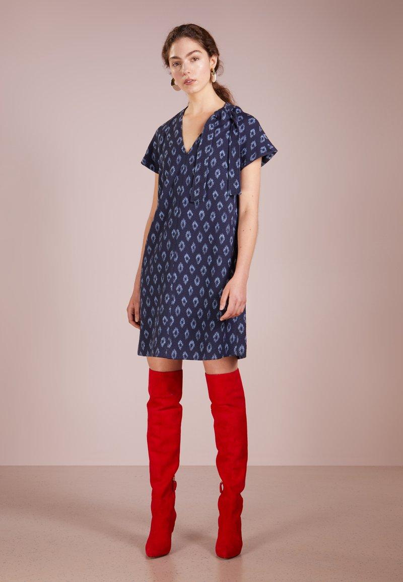 MAX&Co. - CANAZEI - Freizeitkleid - navy blue pattern