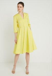 MAX&Co. - DISCO - Korte jurk - sunshine yellow - 0