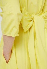 MAX&Co. - DISCO - Korte jurk - sunshine yellow - 5