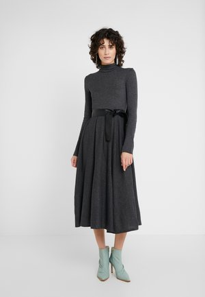 DRENARE - Pletené šaty - dark grey