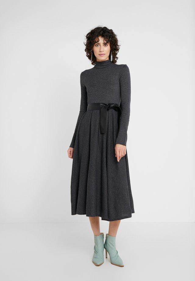 DRENARE - Stickad klänning - dark grey