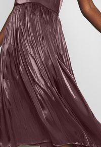 MAX&Co. - PARGOLO - Sukienka koktajlowa - brown - 5