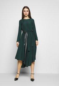 MAX&Co. - PARLANTE - Robe d'été - bright green - 0