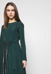 MAX&Co. - PARLANTE - Robe d'été - bright green - 3