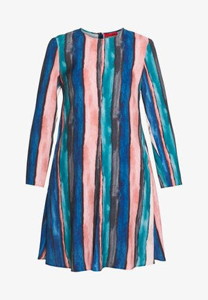 CAPPERO - Vapaa-ajan mekko - china blue pattern