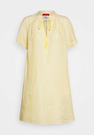 DILUIRE - Vapaa-ajan mekko - sunshine yellow