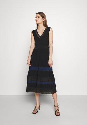 PRUA - Gebreide jurk - black pattern