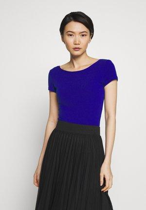 DANUBIO - Basic T-shirt - china blue