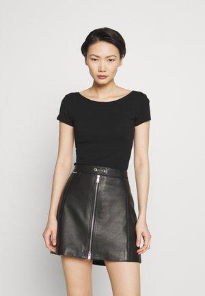 DANUBIO - T-Shirt basic - black