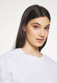 MAX&Co. - DARK - Basic T-shirt - optic white - 4