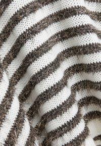 MAX&Co. - PIUMINO - Sweter - white pattern - 5