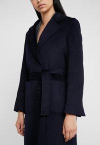 MAX&Co. - RUNAWAY - Płaszcz wełniany /Płaszcz klasyczny - midnight blue - 5