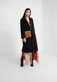 MAX&Co. - RUNAWAY - Classic coat - black - 1