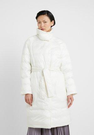 DOCENTE - Zimní kabát - ivory