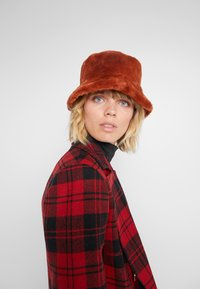 MAX&Co. - Hatte - red - 1