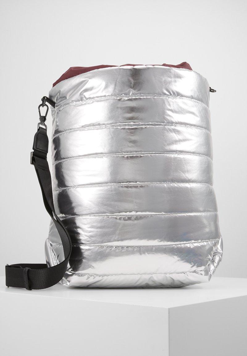 MAX&Co. - PILLOW - Shopping Bag - silver