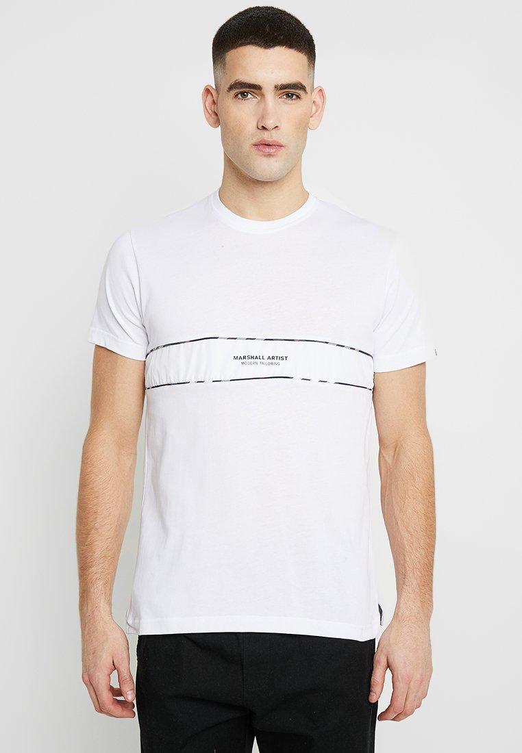 Marshall Artist - CASA CHECK - Print T-shirt - white
