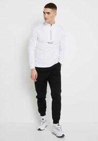 Marshall Artist - SIREN ZIP NECK - Long sleeved top - white - 1