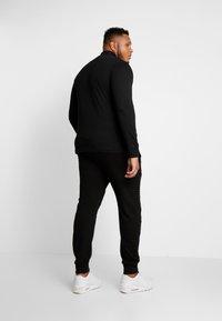 Marshall Artist - SIREN FUNNEL NECK - Langærmede T-shirts - black - 2