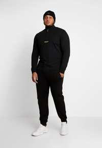 Marshall Artist - SIREN FUNNEL NECK - Langærmede T-shirts - black - 1