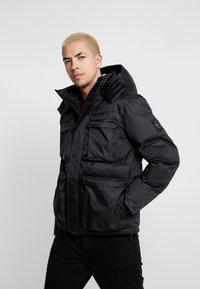 Marshall Artist - CROSS BODY JACKET - Zimní bunda - black - 0