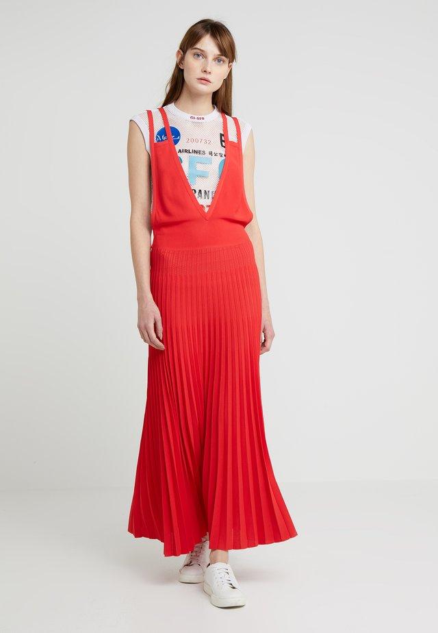 ABITO PLISSE - Robe longue - flamescarlet