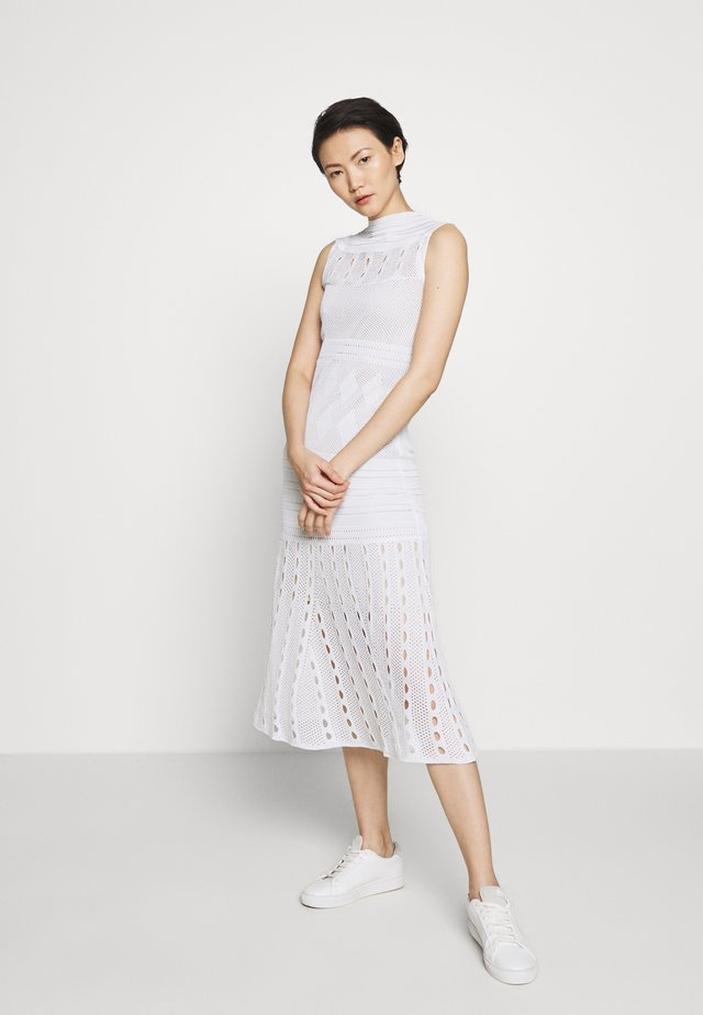 SEETHROUGH DRESS - Strikkjoler - white