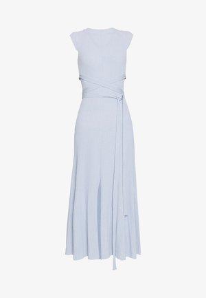 SHORTSLEEVE DRESS - Strickkleid - light blue