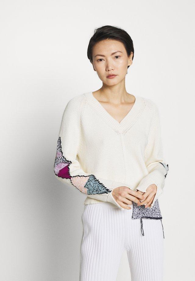 V NECK ASYMMETRIC - Pullover - beige