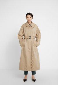 Mackintosh - AMULREE COAT - Trenchcoat - honey - 0