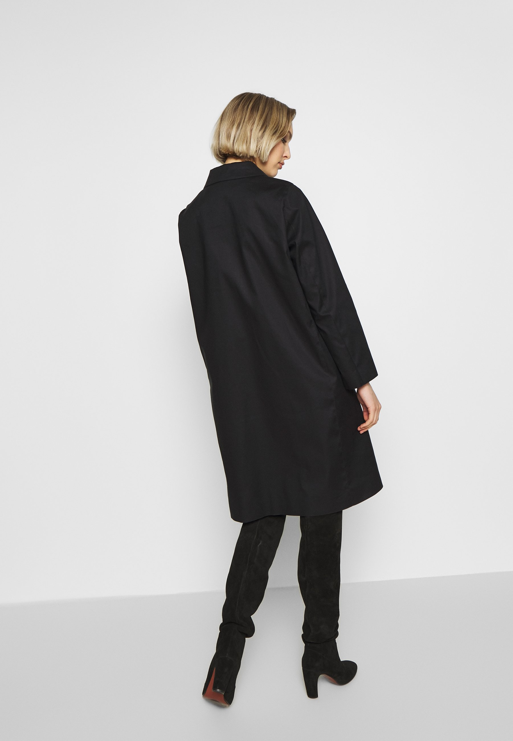 Mackintosh Trenchcoat - Black