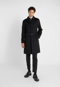 Mackintosh - DOWNFIELD - Trenchcoat - black - 0