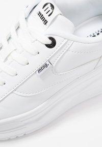 mtng - TOP - Sneakers basse - blanco - 2