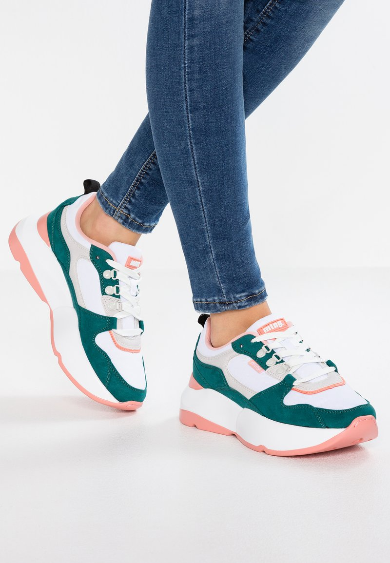 mtng - Sneaker low - soft verde/suprima blanco/soft coral