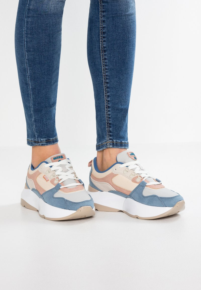 mtng - Sneaker low - soft petroleo/suprima gris/claro yoda rosa