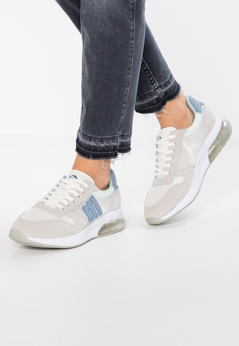 mtng - Sneakers - pio offwhite/pio celeste