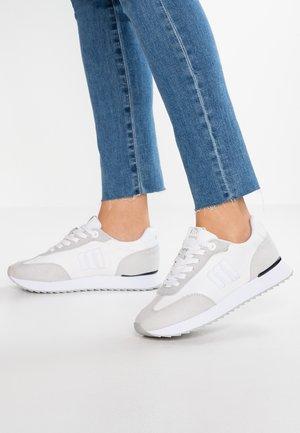 NORA  - Sneakers laag - rayo white