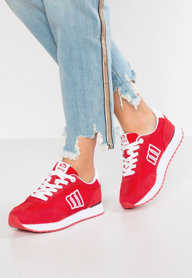 NORA  - Sneakers - rayo red
