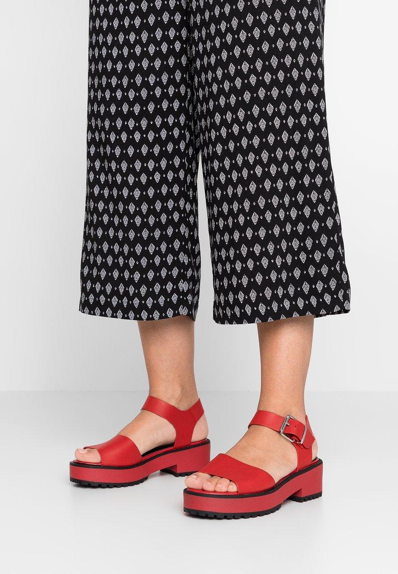 mtng - Platform sandals - red
