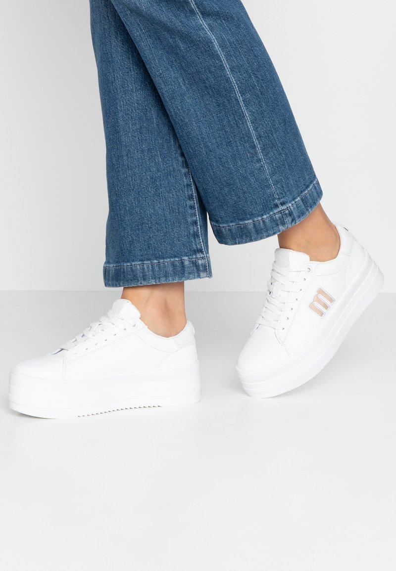 mtng - TEA - Sneakersy niskie - blanco