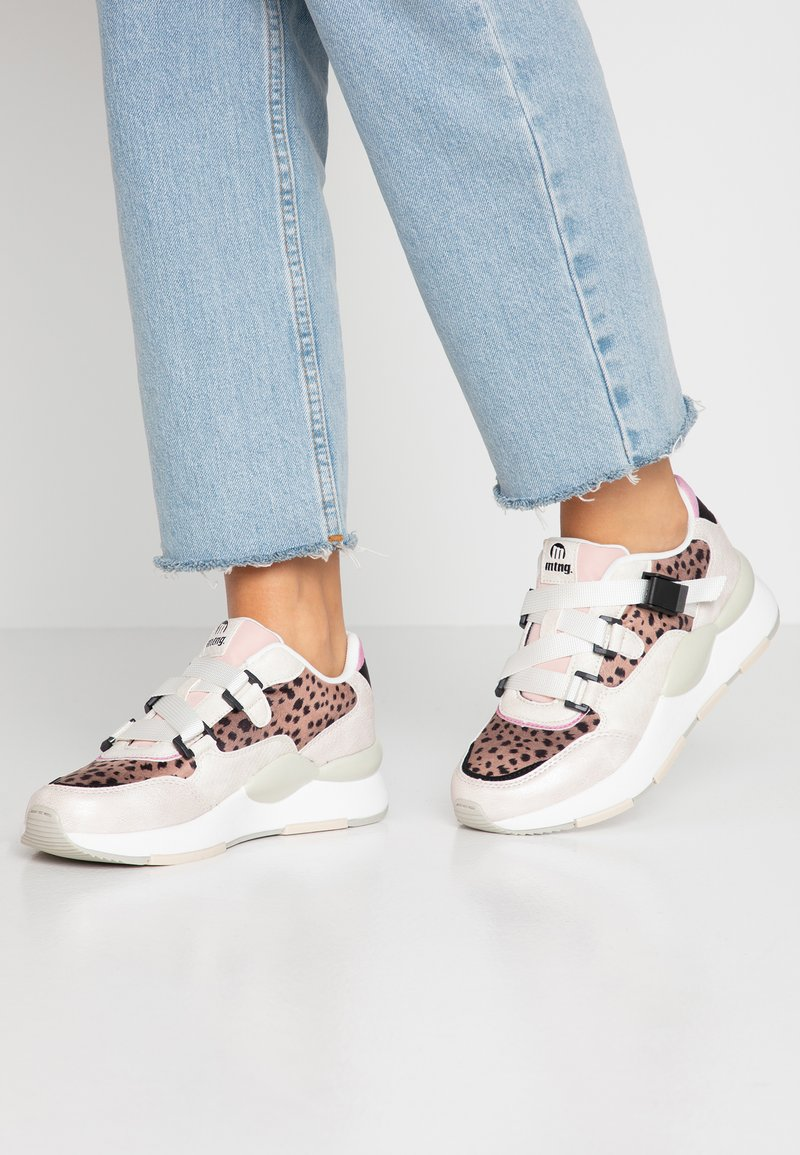 mtng - MAXI - Sneakers - silver/nude