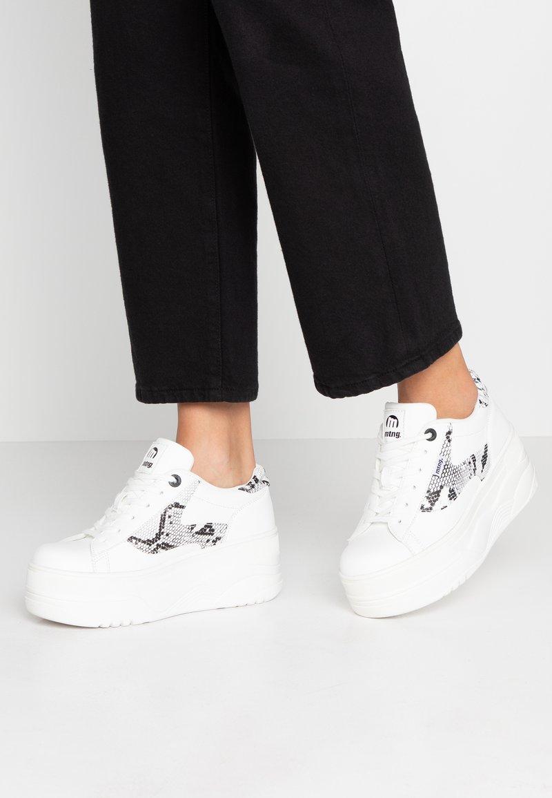 mtng - TOP - Sneakers - blanco