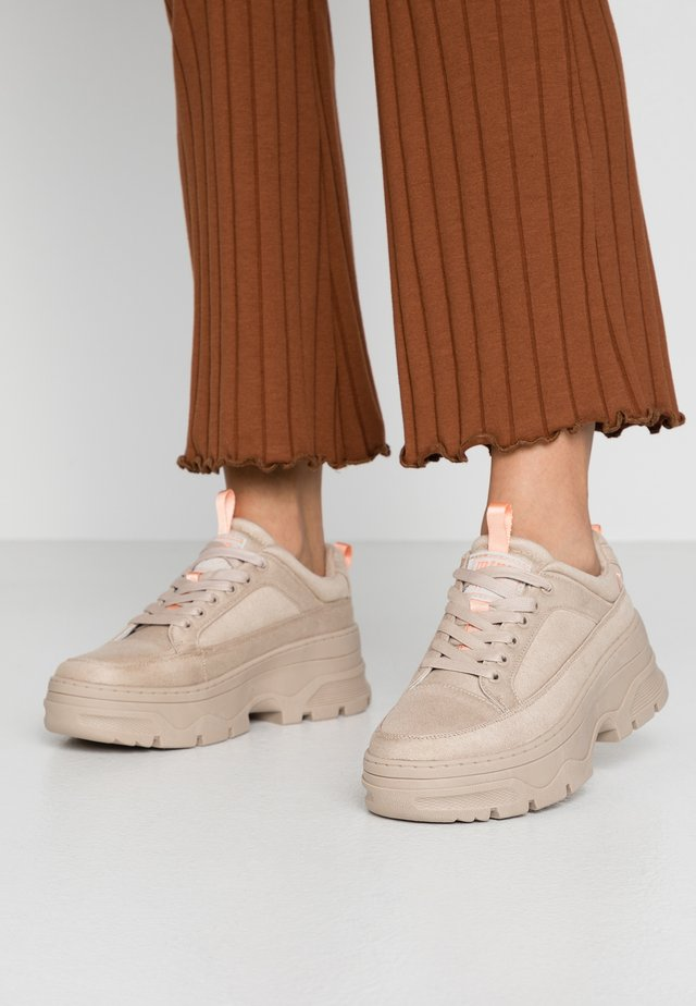 TANKE - Sneakers - soft taupe