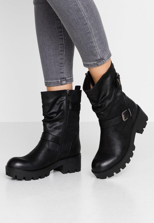 SAURO - Cowboy/biker ankle boot - black
