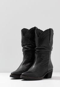 mtng - TEO - Stivali texani / biker - black - 4