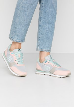 JOGGO - Sneakers laag - coral