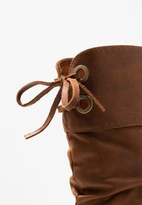 mtng - NEW KONG - Stivali con i tacchi - karma - 2