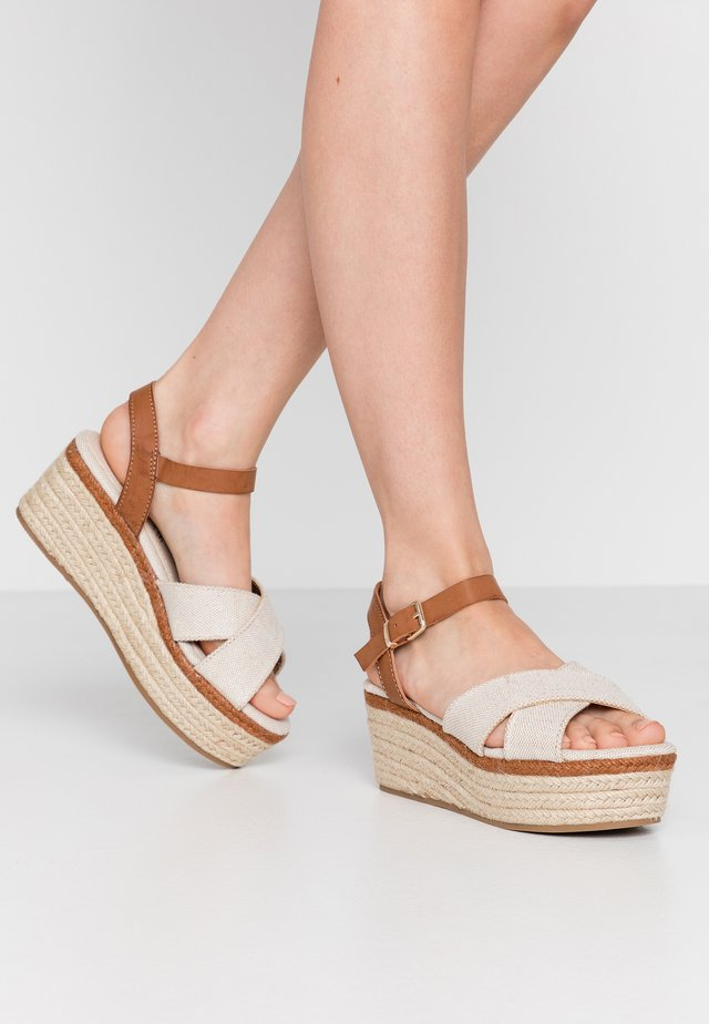 NEW SOCOTRA - Plateausandalette - tan