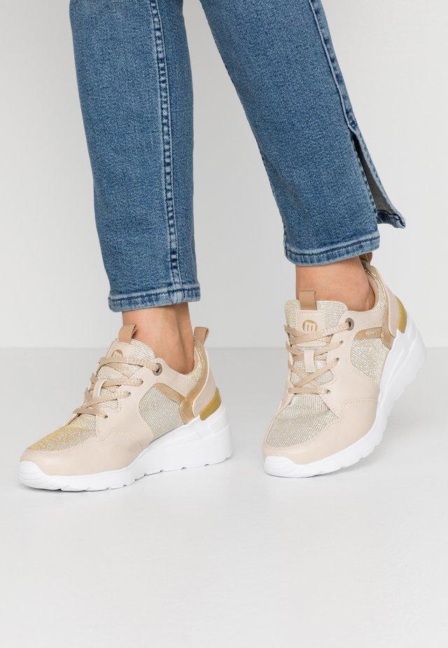 MELANIA - Sneakers - beige
