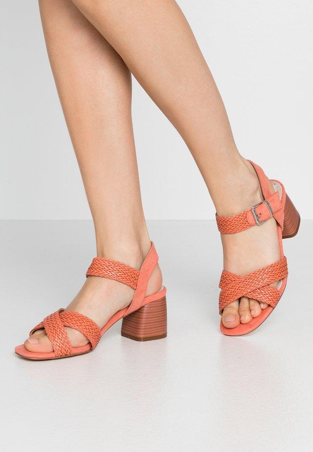 TIGRIS - Sandals - cuki coral
